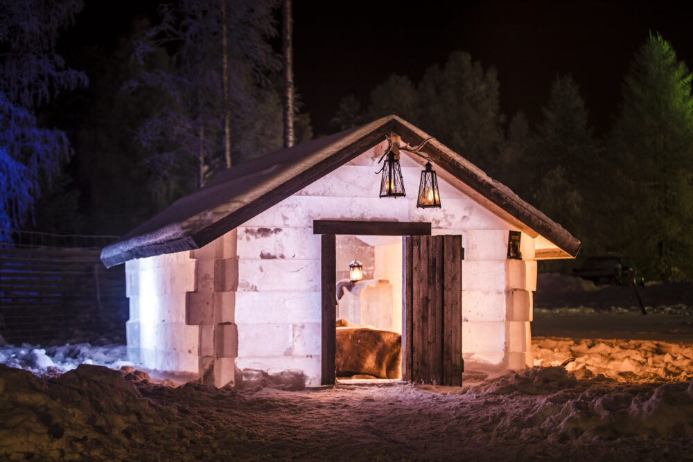 Homey ice cabin in Finnish Lapland